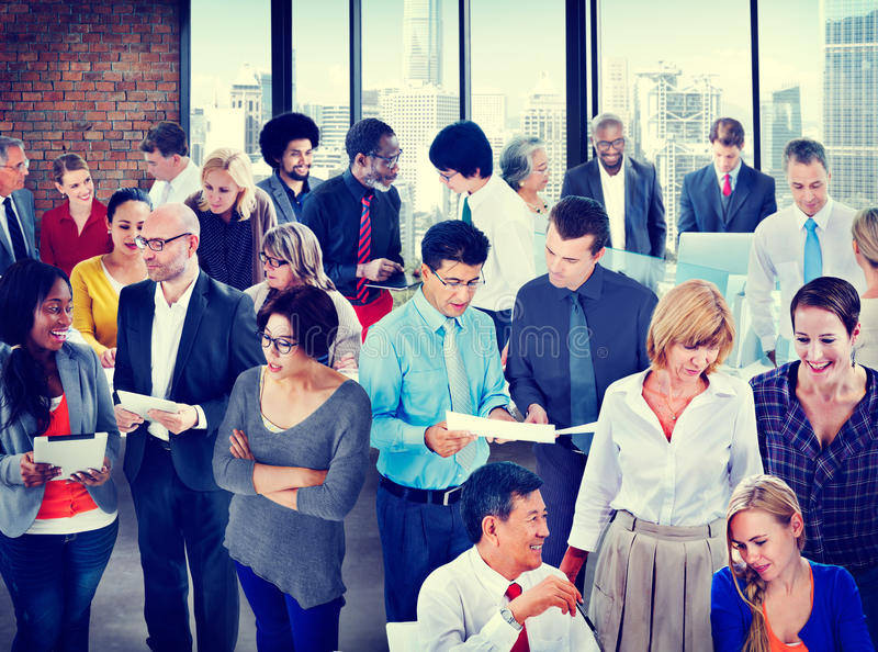 人全球性通信办公室讨论交谈小组 库存照片