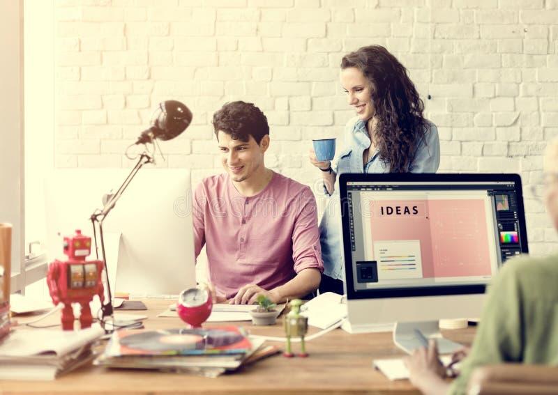 人公司配合激发灵感运作的概念 免版税库存图片