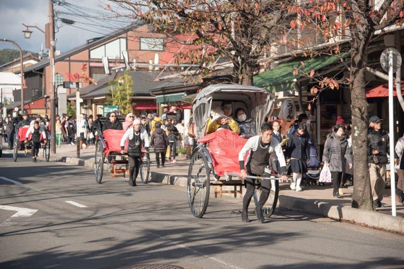 人力车在京都, 11月的日本 免版税库存图片