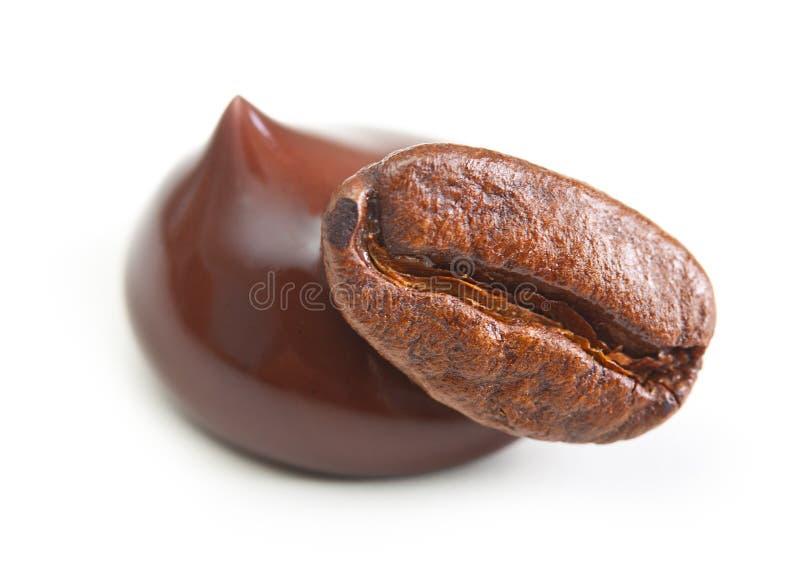 黑人和咖啡粒 免版税库存图片