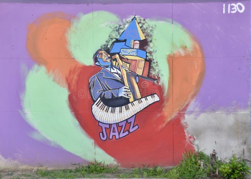 人和萨克斯管孟菲斯,TN爵士乐壁画  免版税库存图片