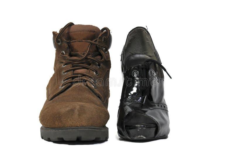 人和Womans鞋子 图库摄影