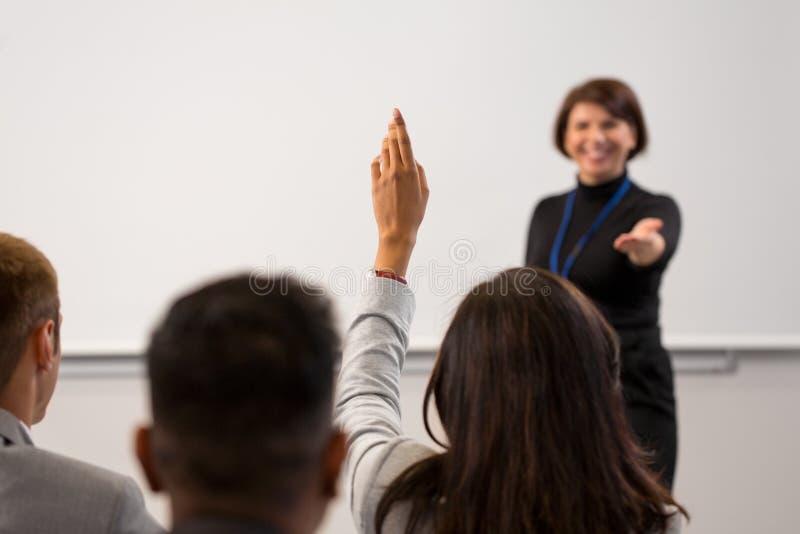 人在业务会议或演讲 免版税库存照片