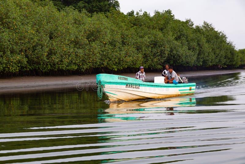人在小船旅行 图库摄影