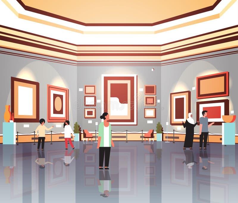 人在现代美术美术画廊看起来创造性的当代绘画艺术品的博物馆内部的游人观察者或 向量例证