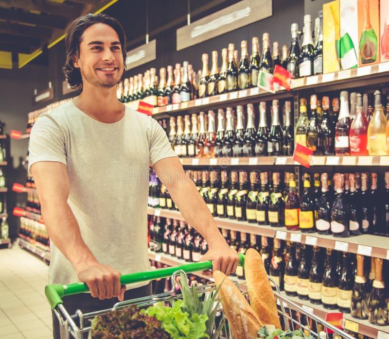 人在超级市场 库存照片