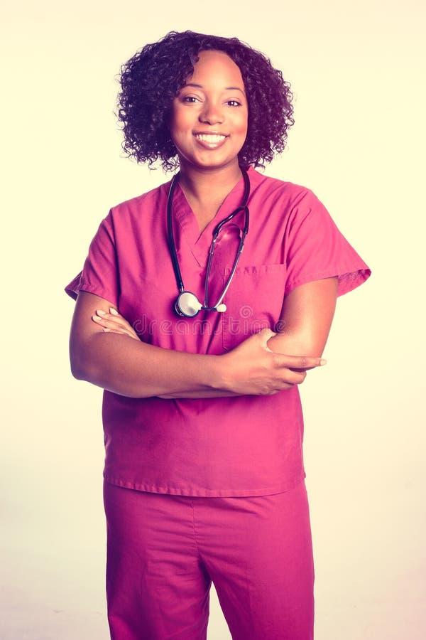 黑人妇女护士 免版税库存图片