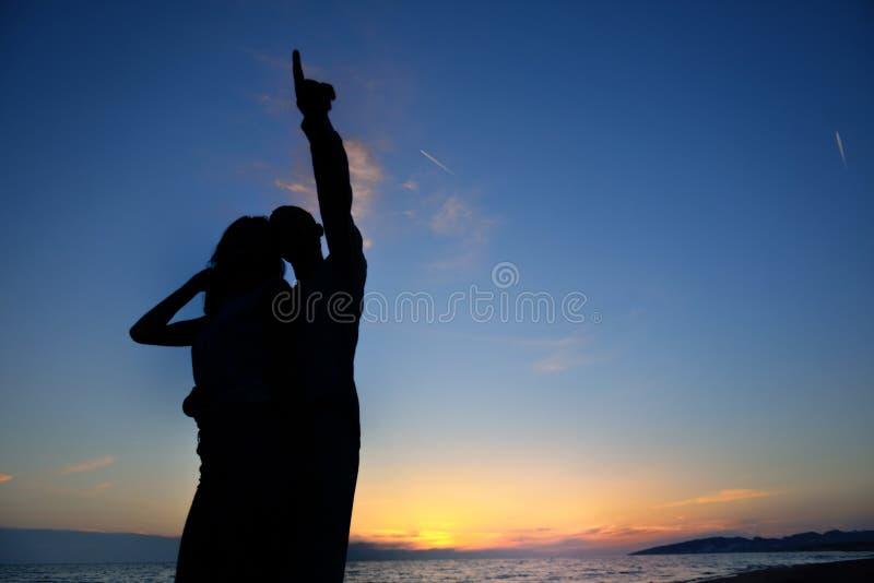 人庆祝海滩党暑假假期概念 库存照片