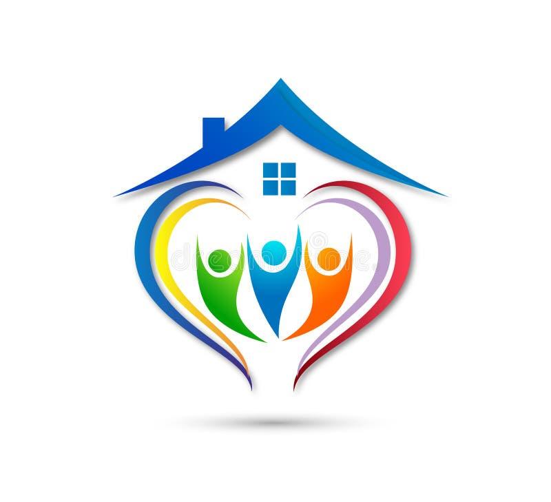人庆祝happyness家庭房子商标/爱联合愉快的心形的家庭房子商标的联合团队工作 皇族释放例证