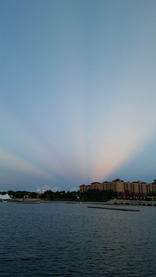 令人惊讶的太阳射线 库存照片