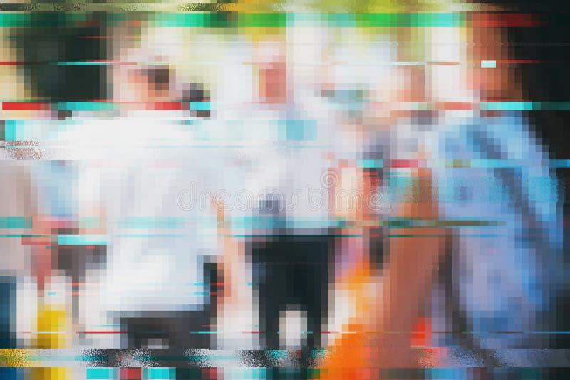 人模糊的人群有小故障作用的 库存照片