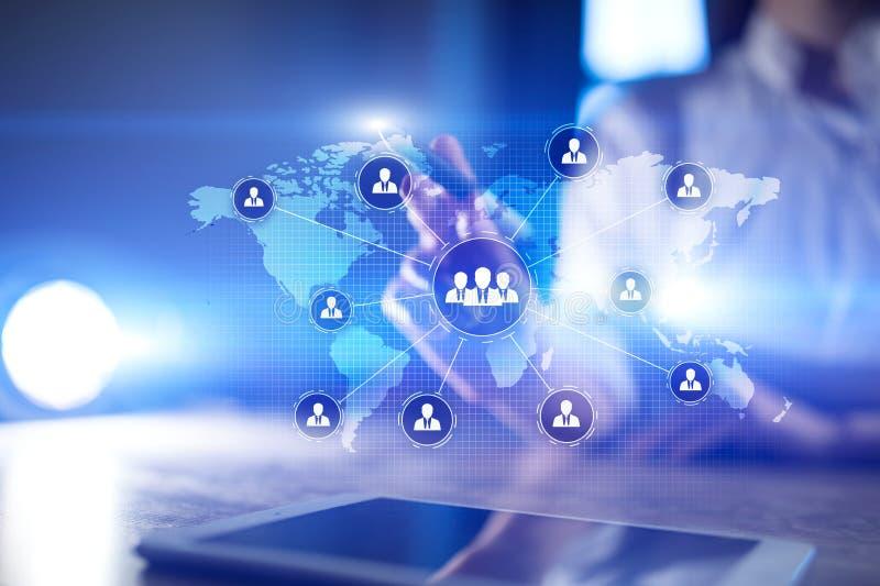 人民团体结构 Hr 人力资源和补充 通信,互联网技术 到达天空的企业概念金黄回归键所有权 向量例证