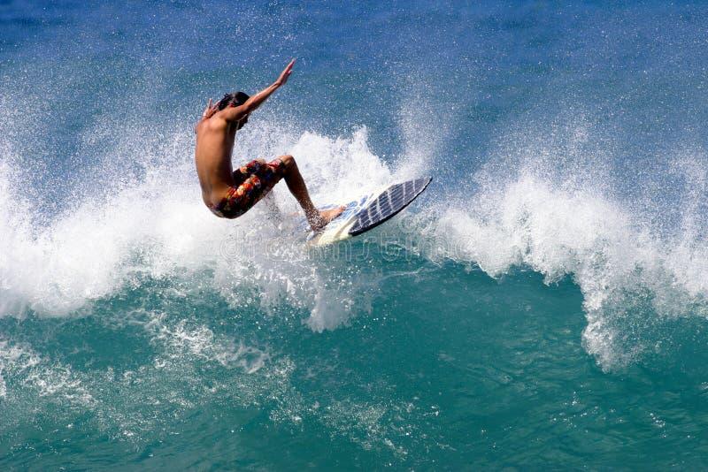 人海洋和平冲浪 免版税库存图片