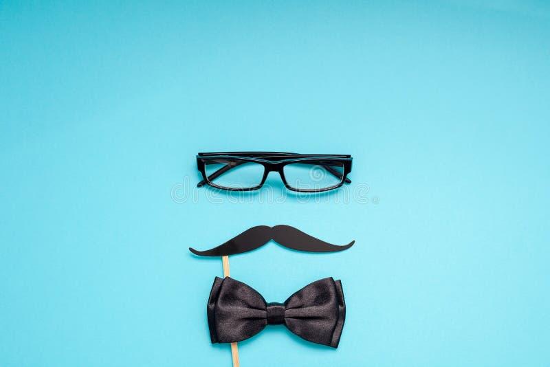 人父亲爸爸概念的纸髭 免版税图库摄影
