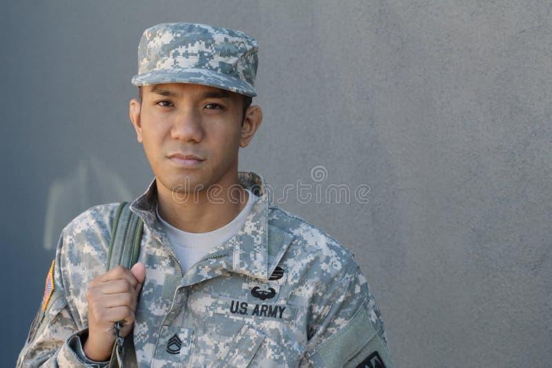 人的泪花 海洋U S 在哀痛的军队 战士的渴望 国家爱  受害者的悲伤 免版税库存图片