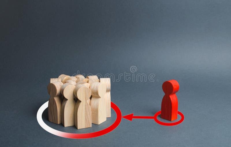 人的红色图施加影响和压力在一群人为了改变他们的看法和视觉 库存图片
