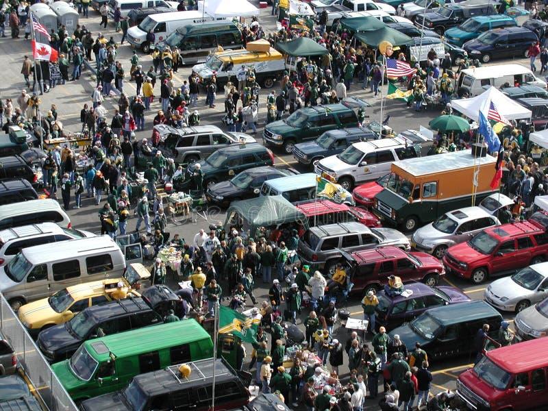 人群扇动当事人体育运动车辆后档板&# 免版税库存照片