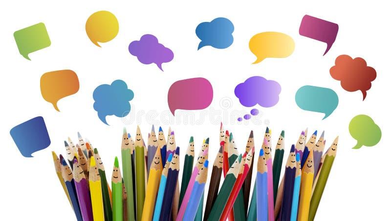 人脉通信 人微笑的色的铅笔滑稽的面孔 对话人 人群谈话 小组peo 库存照片