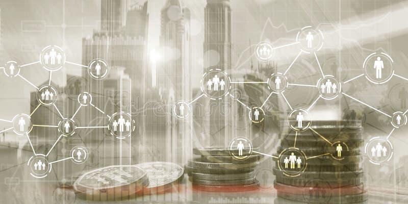 人象有网络连接的 r 在城市背景的硬币 免版税库存图片