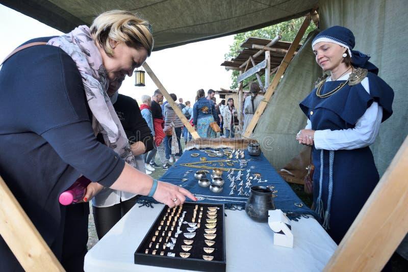 人贸易纪念品,立陶宛 免版税图库摄影