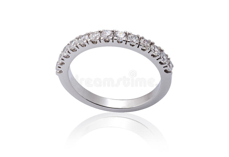 人造白金与金刚石的定婚戒指 库存图片