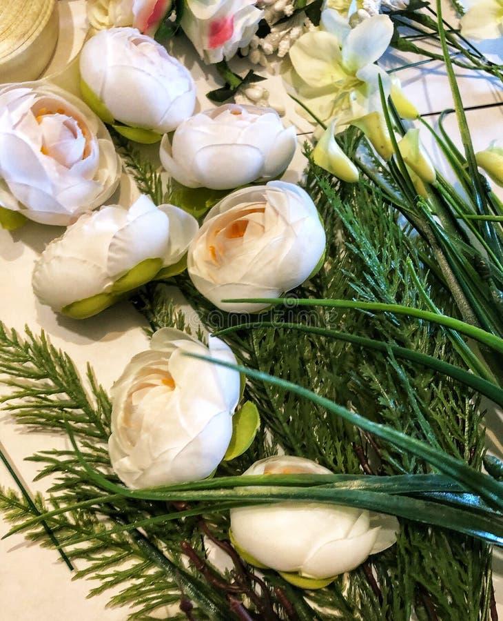 人造花和叶子材料  免版税库存图片