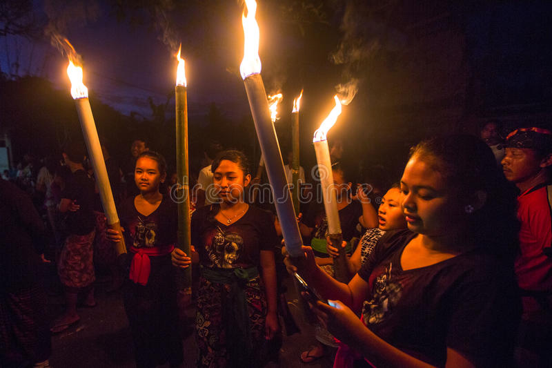 Download 人们在庆祝Nyepi -沈默巴厘语天时 编辑类图片. 图片 包括有 凝思, 航空, 守护程序, 恶魔般, 木偶 - 72362130