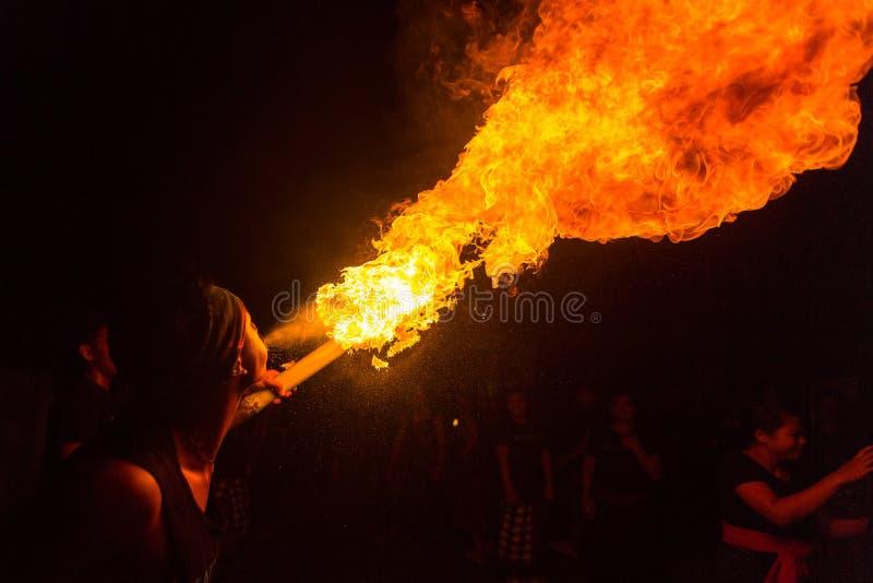 人们在Nyepi的庆祝-沈默巴厘语天时  库存照片