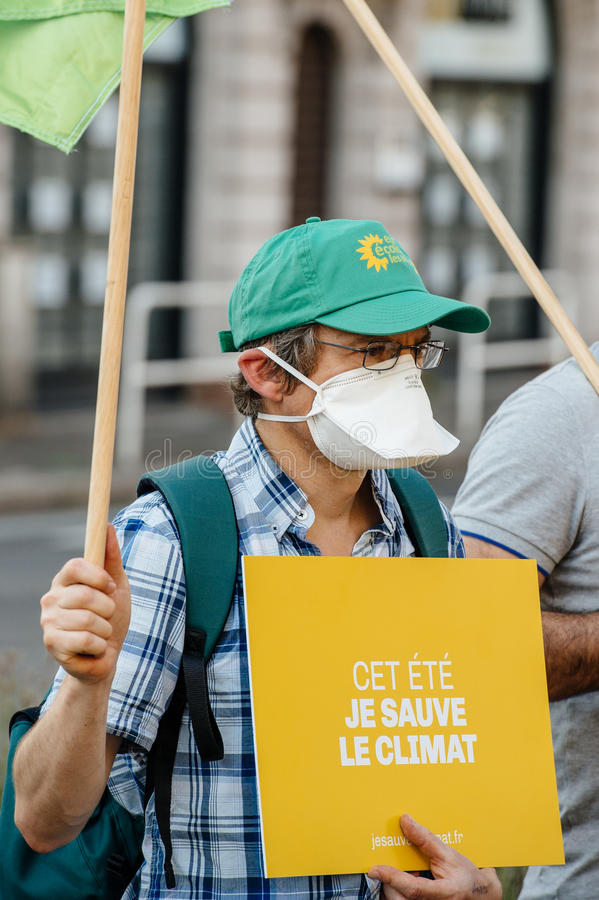 人们抗议反对大气污染 免版税库存照片