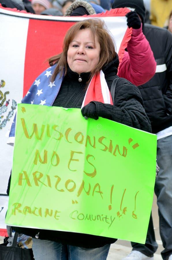人们抗议反对移民法律 免版税图库摄影