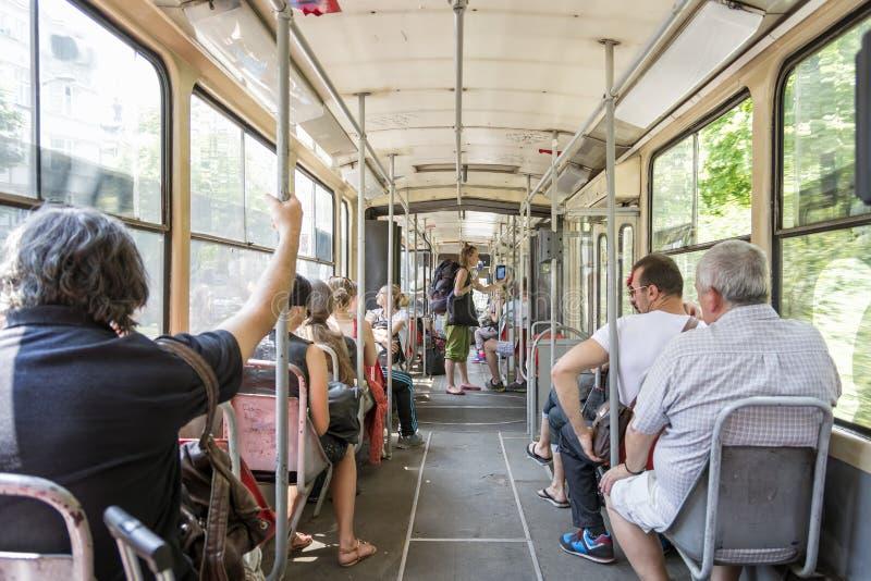 人们旅行与公共汽车的,贝尔格莱德,塞尔维亚 免版税库存照片