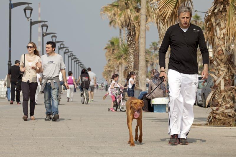 人们走沿沿海岸区的,贝鲁特 图库摄影