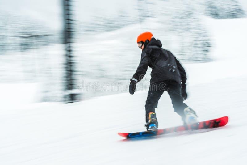 人滑雪雪板非常快速的被弄脏的图片 库存图片