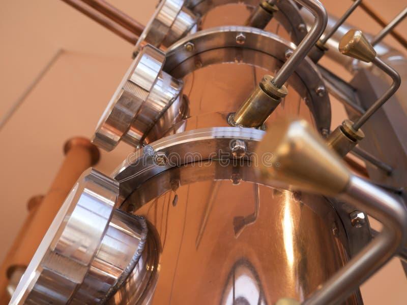 仍然铜蒸馏器 免版税库存照片