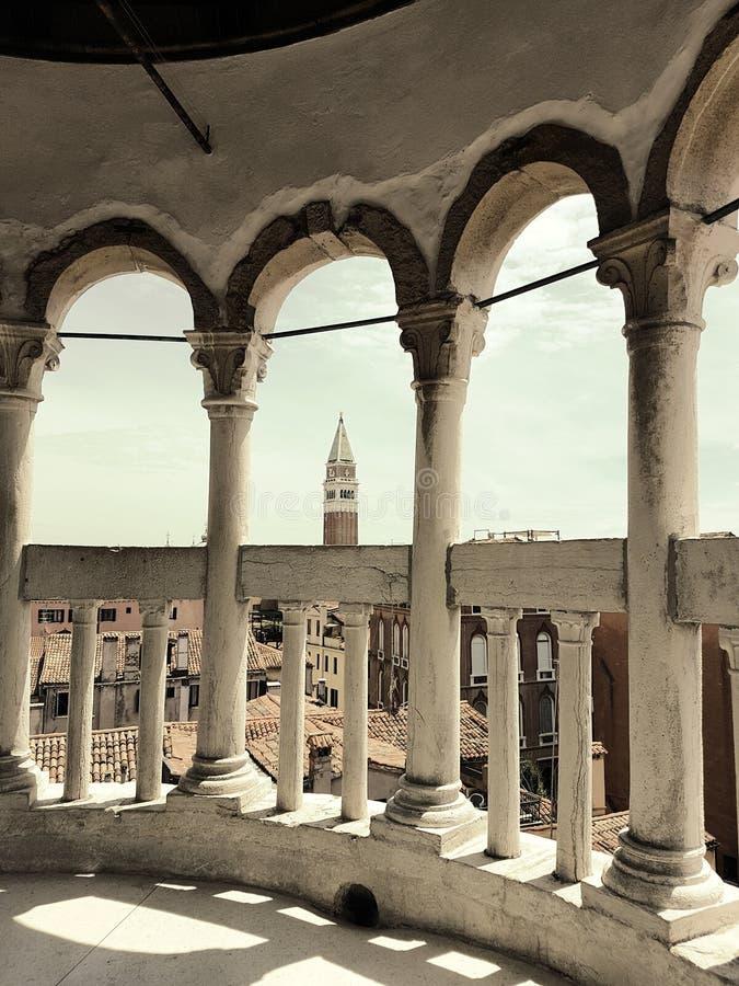 从一个宫殿的塔的看法在威尼斯 库存照片