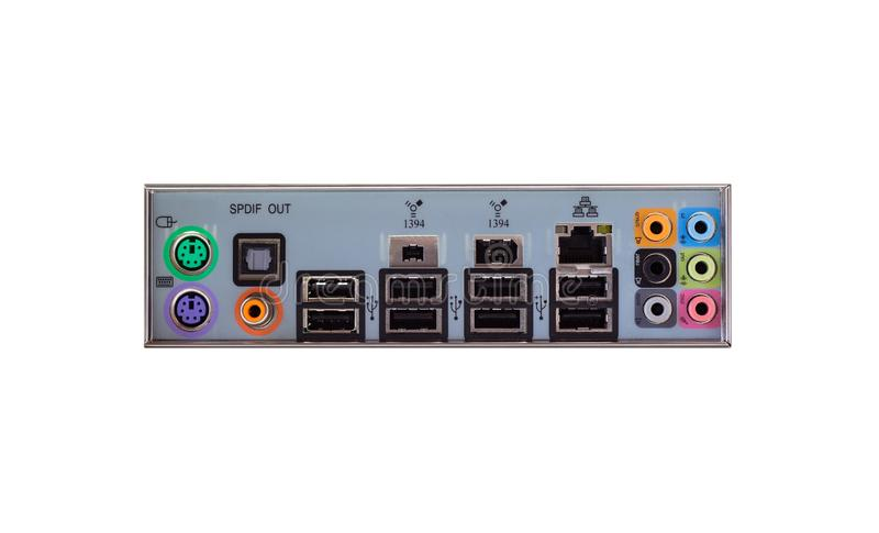从一台台式计算机的后面看法有一个可看见的连接盘区的,音频, LAN,老鼠,键盘, USB 免版税库存照片