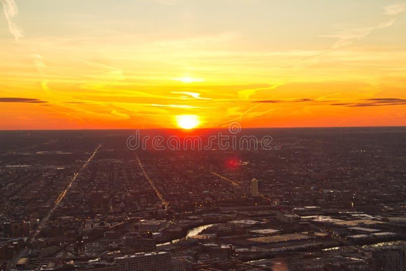 从上流的芝加哥日落 库存照片