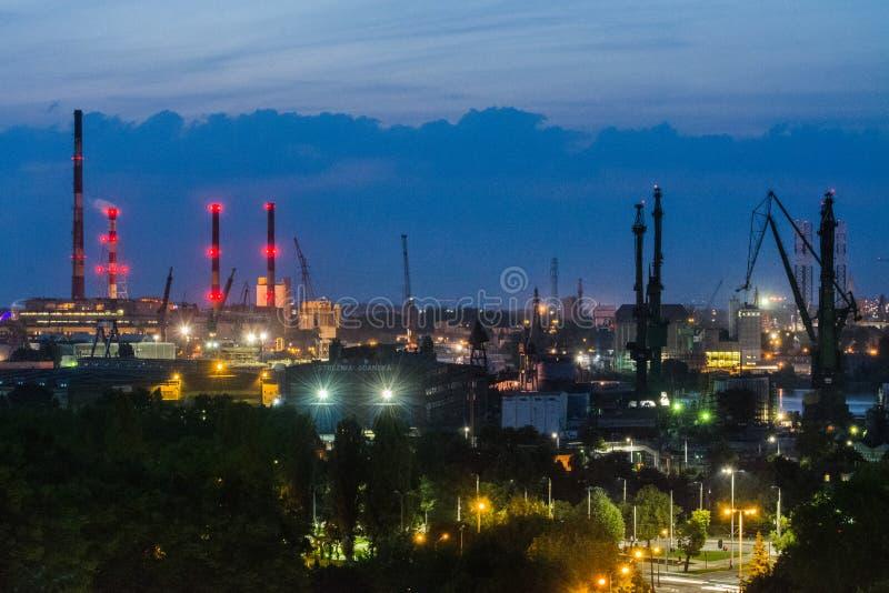 从上面格但斯克,波兰全景,造船厂 免版税库存图片