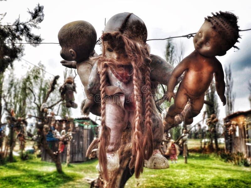 从串垂悬的玩偶在玩偶的海岛在墨西哥 图库摄影