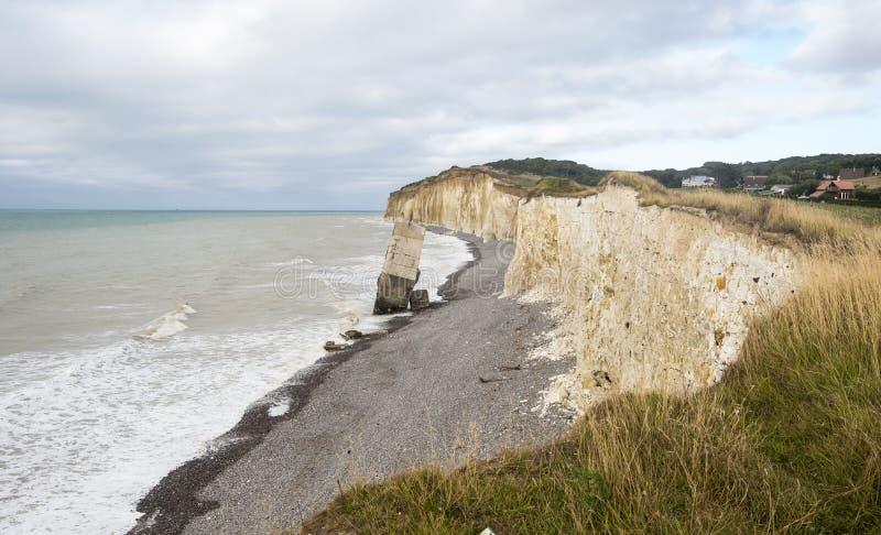 从从第二次世界大战的峭壁具体地堡下落的在Sainte延命菊苏尔梅尔海滩,诺曼底,法国 免版税库存图片