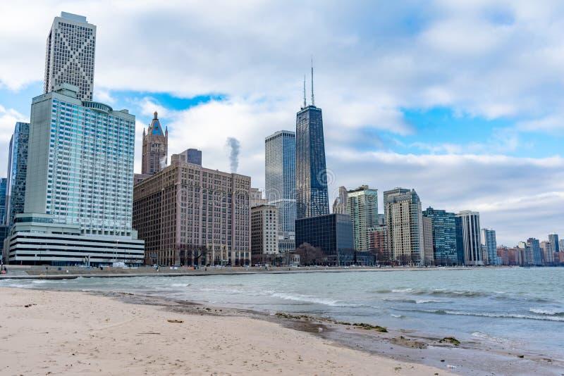 从俄亥俄街海滩的芝加哥地平线 图库摄影