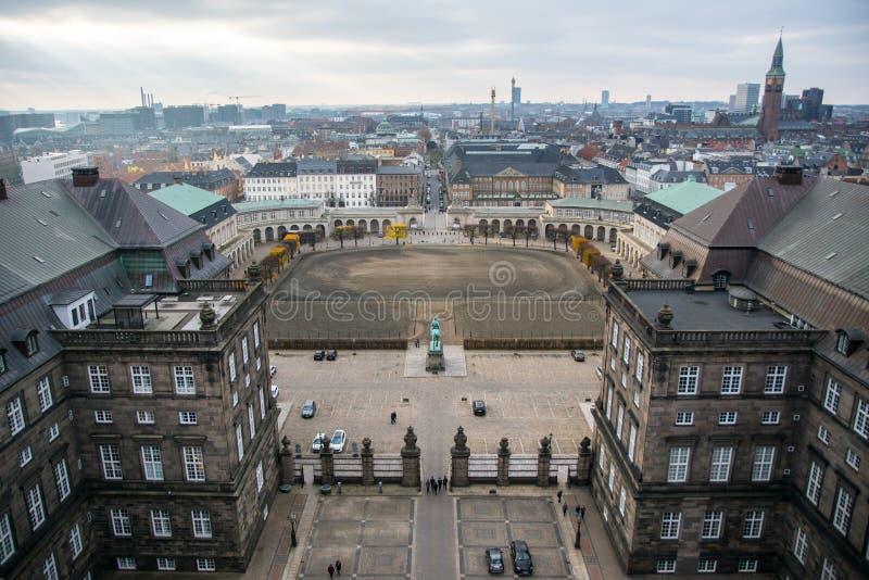 从克里斯蒂安堡塔的看法 这ridinglane从以前 丹麦 库存照片