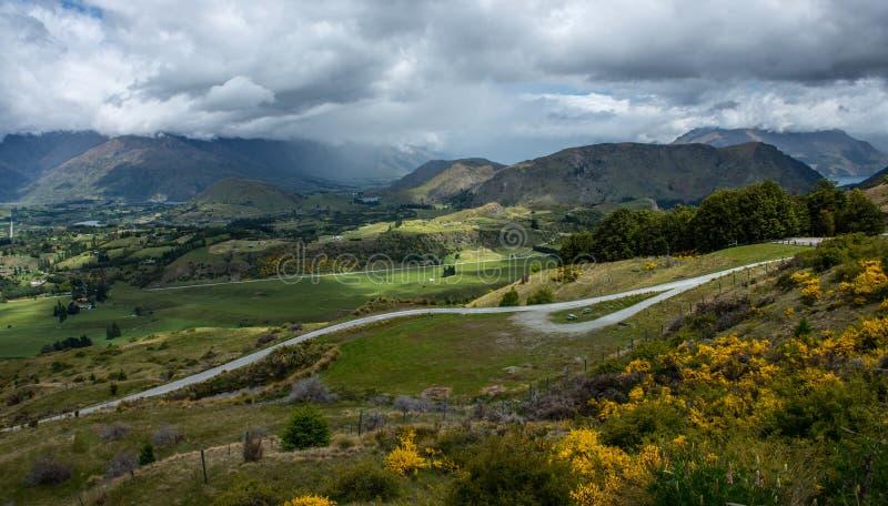 从冠峰顶,新西兰的视图。 免版税图库摄影