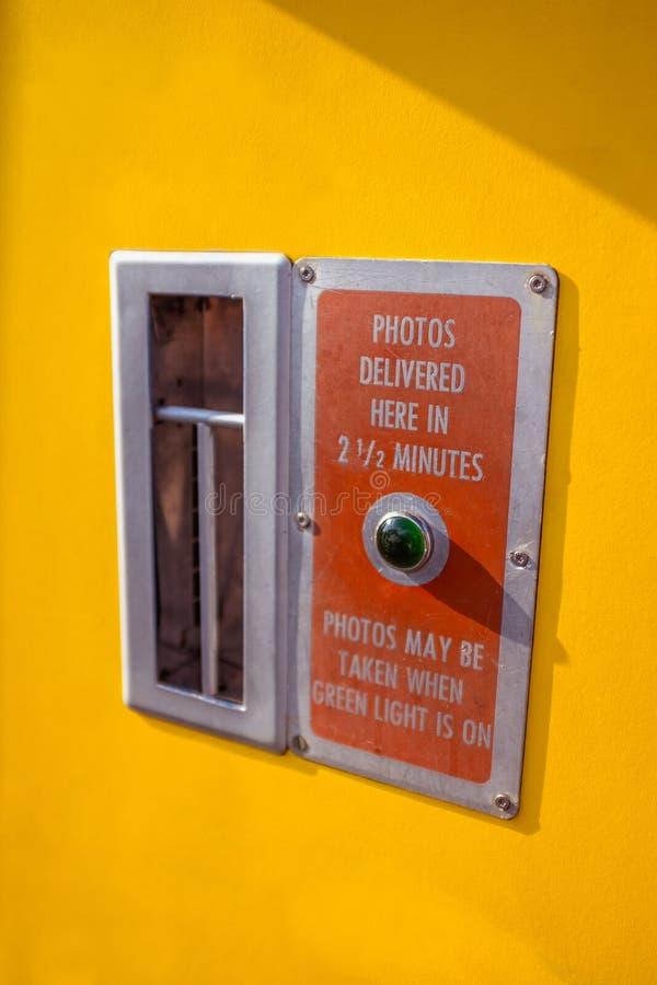 从减速火箭的自动Photobooth的细节 免版税库存照片