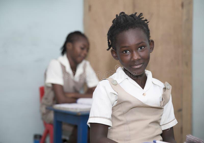 从加纳,西非的基本的小学生 库存照片