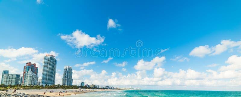 从南Pointe码头看见的迈阿密海滩在一好日子 免版税库存照片