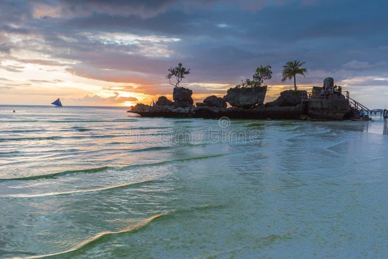 从博拉凯海岛的热带背景日落视图白色Bea的 库存照片