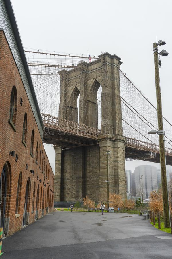 从历史协会dumbo的布鲁克林大桥在布鲁克林 免版税库存图片