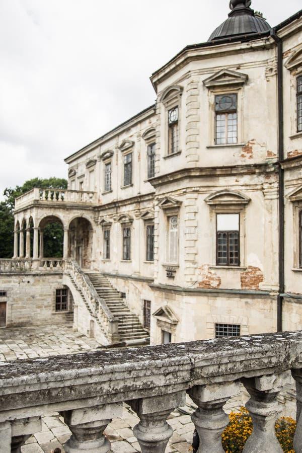 从古老城堡二楼的看法  免版税库存图片