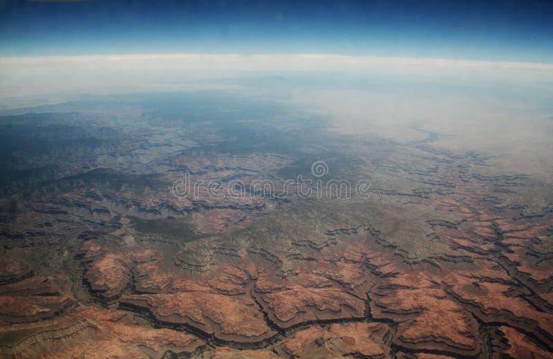 从商业飞机观看的美国沙漠风景在30,000多只脚 免版税库存照片